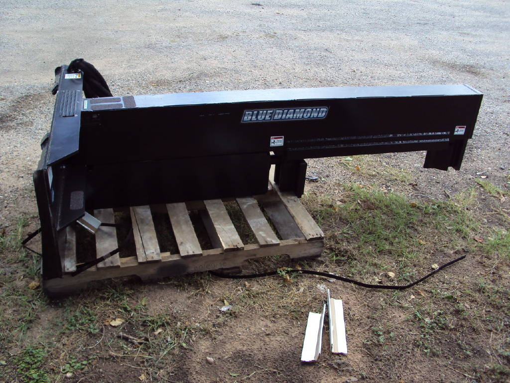 0 Blue Diamond Inverted Log Splitter For A Skid Steer Or