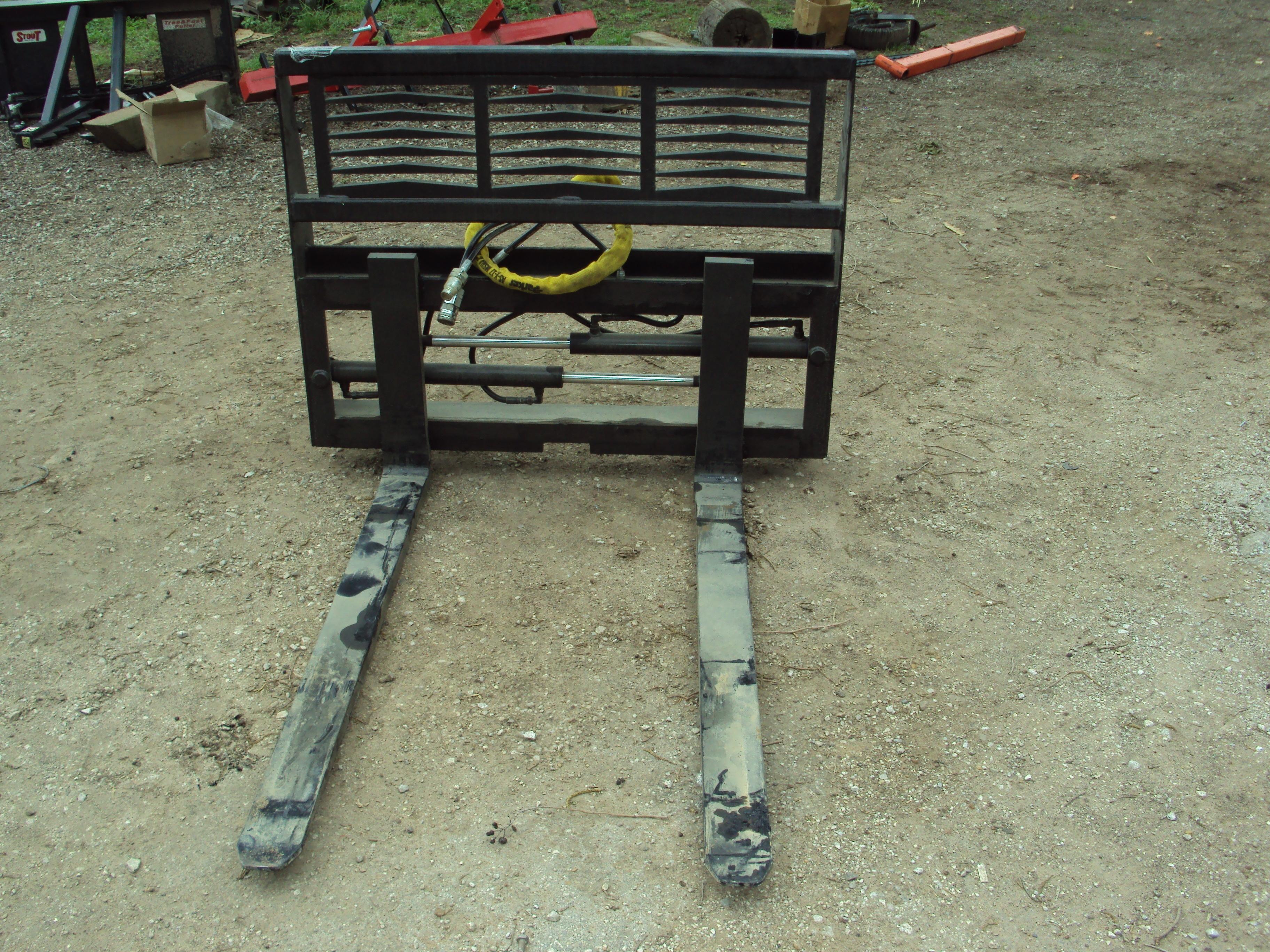 Tractor Adjustable Forks : Equipment other hydraulic adjustable pallet forks for a