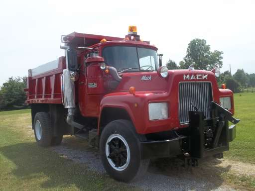 1983 Mack R Model In Evans City PA