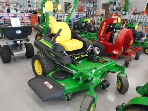 JOHN DEERE Z920M Commercial Zero Turn Mower Farming