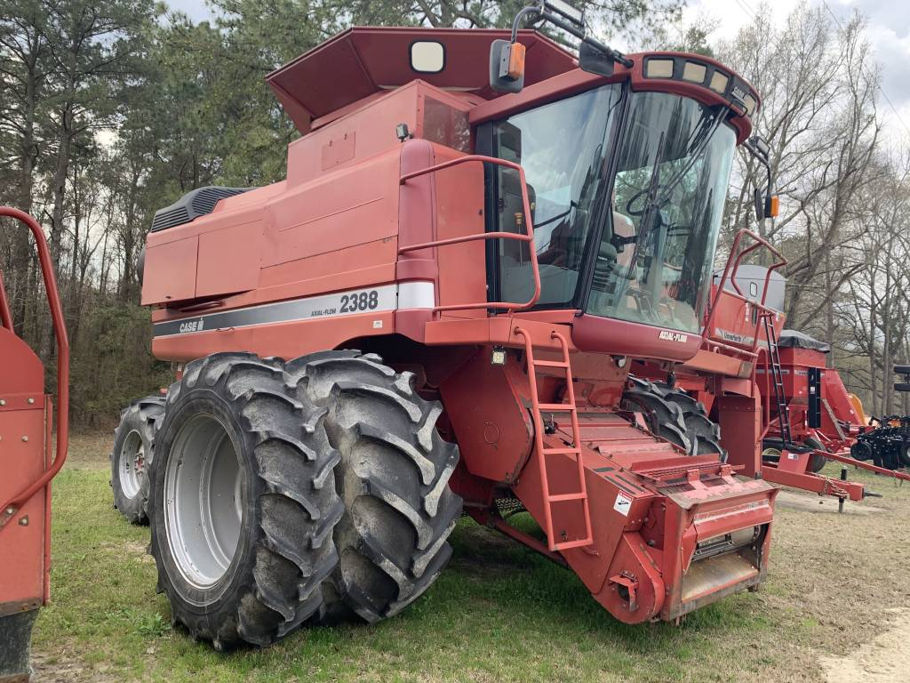 2001 Case Ih 2388 Combine With Duals For Sale in Kinston